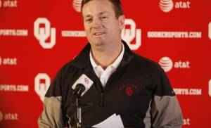 OU head football coach Bob Stoops talks about OU's new recruiting class today. Photo by Steve Sisney
