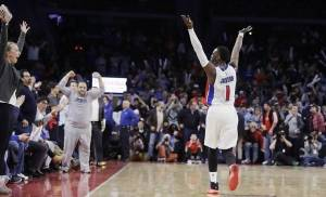 Detroit Pistons guard Reggie Jackson raises his arms during the closing seconds of the team's NBA basketball game against the Oklahoma City Thunder, Tuesday, March 29, 2016, in Auburn Hills, Mich. Jackson had 13 points in the Pistons' 88-82 win. (AP Photo/Carlos Osorio) |