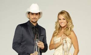 Carrie Underwood and Brad Paisley returning to host 50th Annual CMA Awards