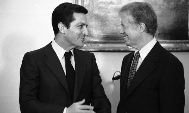 FILE- This is a Jan. 14, 1980 file photo of Spain's Prime Minister Adolfo Suarez , left, as he meets with U.S. President Jimmy Carter at the White House in Washington. Suarez  Spain's first democratically-elected prime minister after decades of right-wing rule under Gen. Francisco Franco, died Sunday March 23, 2014. Suarez was 81-years-old.  (AP Photo/Dennis Cook)