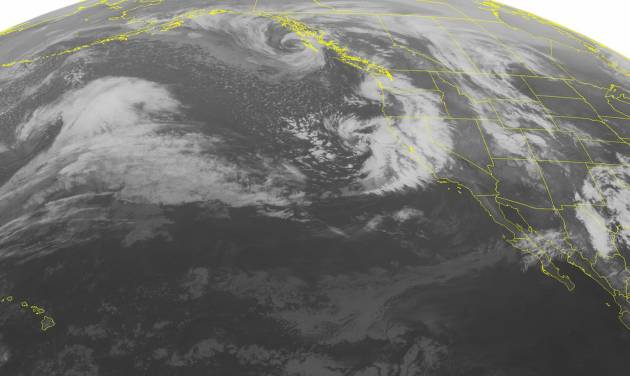 Storm knocks out power at Los Angeles airport