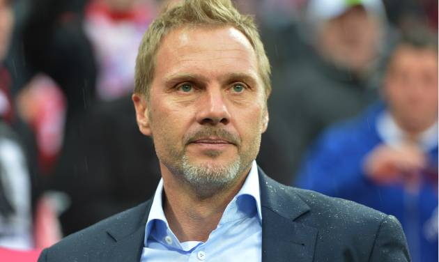 FILE - The March 30, 2013 file photo shows Hamburg's head coach Thorsten Fink prior to the German first division Bundesliga soccer match between FC Bayern Munich and Hamburger SV  in Munich, Germany. German media reports said Tuesday, Sept. 17, 2013 Hamburger SV has fired Thorsten Fink as coach following the team's disappointing start to the Bundesliga. (AP Photo/Kerstin Joensson)