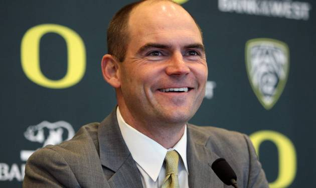 Mark Helfrich is introduced as Oregon's new head coach during an NCAA college football news conference in Eugene, Ore. on Sunday, Jan. 20, 2013. (AP Photo/The Register-Guard, Chris Pietsch)
