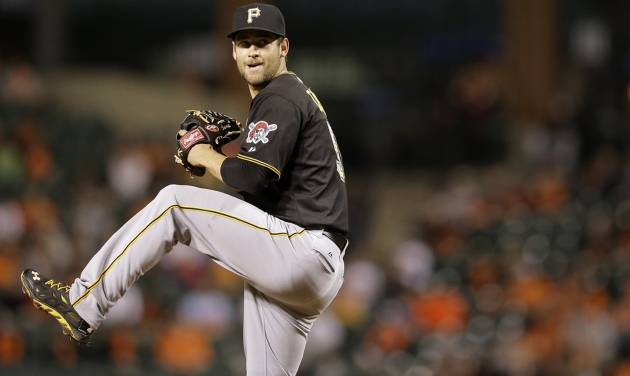 Pittsburgh Pirates starting pitcher Brandon Cumpton throws to the Baltimore Orioles in the fourth inning in the second baseball game of a doubleheader on Thursday, May 1, 2014, in Baltimore. (AP Photo/Patrick Semansky)
