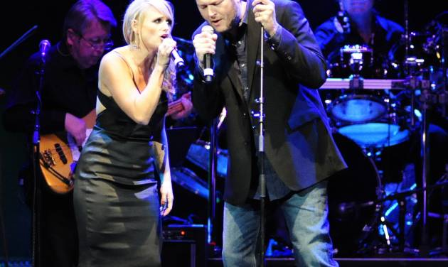 Miranda Lambert and Blake Shelton perform at the tribute concert for the late George Jones, Friday, Nov. 22, 2013, in Nashville, Tenn. Jones had originally scheduled his final show for Friday. He died April 26. (AP Photo/Mike Strasinger)
