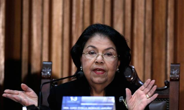 Venezuela's Supreme Court President Luisa Estella Morales gives a news conference in Caracas, Venezuela, Wednesday, Jan. 9, 2013.  Morales said the upcoming inauguration of President Hugo Chavez can legally be postponed. Morales made the statement amid a heated debate between the government and opposition over whether the constitution requires the ailing leader to be sworn in for a new term on Thursday. The congress has voted to delay the ceremony. (AP Photo/Fernando Llano)