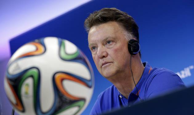 Netherlands' head coach Louis van Gaal attends a press conference the day before the group B World Cup soccer match between Spain and the Netherlands at the Arena Ponte Nova in Salvador, Brazil, Thursday, June 12, 2014. (AP Photo/Wong Maye-E)