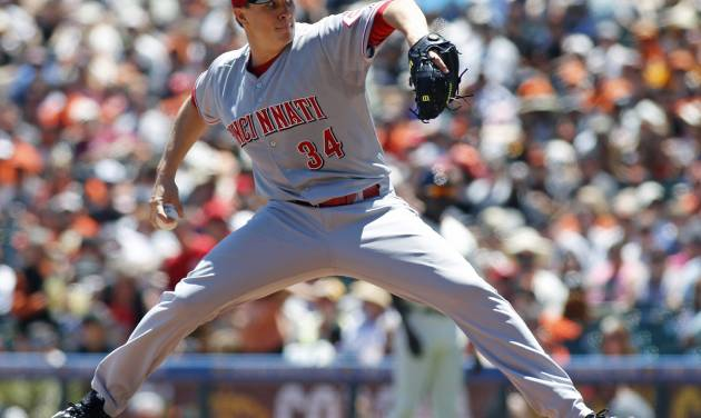 Cincinnati Reds pitcher Homer Bailey throws to the San Francisco Giants during the first inning of a baseball game, Sunday, June 29, 2014, in San Francisco. (AP Photo/George Nikitin)
