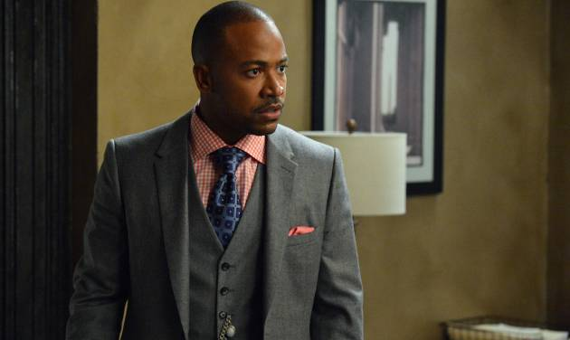 """This image released by ABC shows Columbus Short portraying Harrison Wright in a scene from the TV series, """"Scandal."""" The 31-year-old actor says in a statement on Friday, April 25, 2014, he's exiting the ABC political thriller after three seasons.   (AP Photo/ABC, Eric McCandless)"""