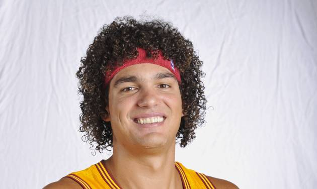 FILE - In this Oct. 1, 2012 file photo, Cleveland Cavaliers center Anderson Varejao, of Brazil,  poses at the teams training facility in Independence, Ohio. Varejao will miss the rest of the season because of a blood clot in his lung. The team said Monday, Jan. 21, 2013,  that he is expected to fully recover but will need to take blood thinners for about three months. (AP Photo/Phil Long)