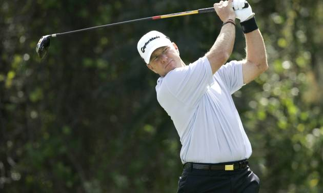 Scott Verplank hits a shot from the fourth tee during the final round of the Children's Miracle Network Classic PGA golf tournament at Walt Disney World in Lake Buena Vista, Fla., Sunday, Nov. 9, 2008. Verplank finished tied for third place. (AP Photo/John Raoux) ORG XMIT: FLJR114