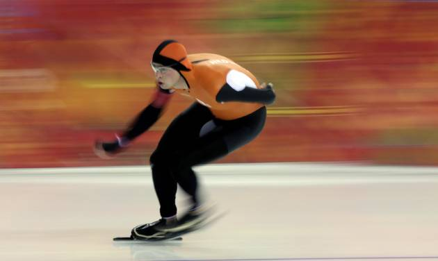 Sven Kramer, of the Netherlands, competes in the men's 5,000-meter speed skating race at the Adler Arena Skating Center during the 2014 Winter Olympics in Sochi, Russia, Saturday, Feb. 8, 2014. Kramer set a new Olympic record. (AP Photo/David J. Phillip)