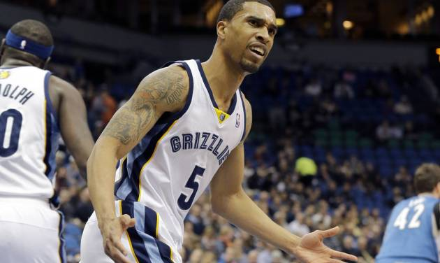 Memphis Grizzlies guard Courtney Lee (5) disagrees with a call during the first quarter of an NBA basketball game against the Minnesota Timberwolves in Minneapolis, Wednesday, April 2, 2014. The Timberwolves won 102-88. (AP Photo/Ann Heisenfelt)