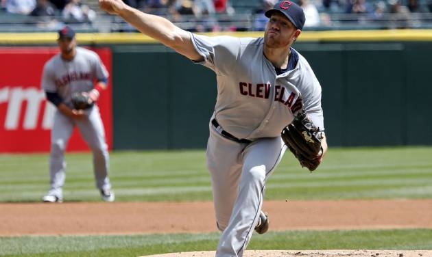 Cleveland Indians starting pitcher Zach McAllister delivers during the first inning of a baseball game against the Chicago White Sox, Wednesday, April 24, 2013, in Chicago. (AP Photo/Charles Rex Arbogast)