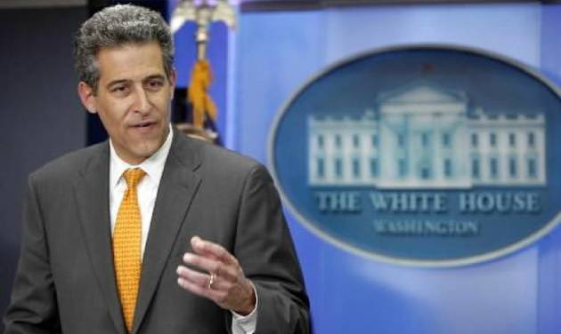 Dr.  Richard  Besser Acting Director Center for Disease Control and Prevention speaks in the White House Press Briefing Room during a news conference to discuss reported Swine Flu outbreaks, Sunday, April 26, 2009 in Washington. The U.S. is declaring a public health emergency to deal with the emerging new swine flu. (AP Photo/Pablo Martinez Monsivais)