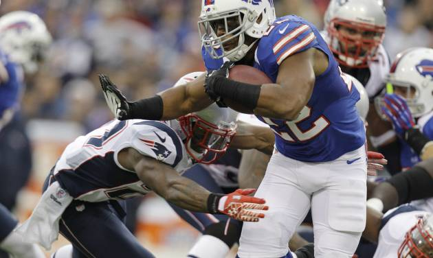 Buffalo Bills' Fred Jackson (22) runs against the New England Patriots during the first half of an NFL football game in Orchard Park, N.Y., Sunday, Sept. 30, 2012. (AP Photo/Gary Wiepert)