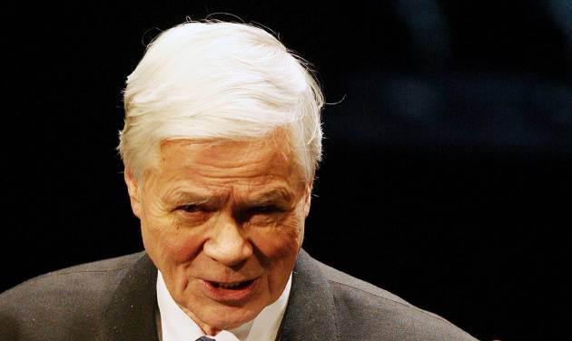 FILE - In this Jan. 24, 2006 file picture German opera singer Dietrich Fischer-Dieskau attends an awards ceremony in Berlin. A German opera house says renowned baritone Dietrich Fischer-Dieskau has died. He was 86. Berlin's Deutsche Oper said the singer of opera and artistic songs died Friday May 18, 2012 at his home in Bavaria in southern Germany. (AP Photo/dapd/ Oliver Lang, File)