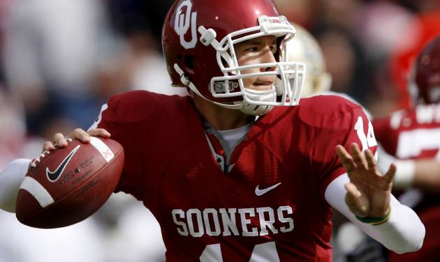 OU quarterback Sam  Bradford looks downfield during the first half of Saturday's game against Baylor. Photo by Chris Landsberger, The Oklahoman.