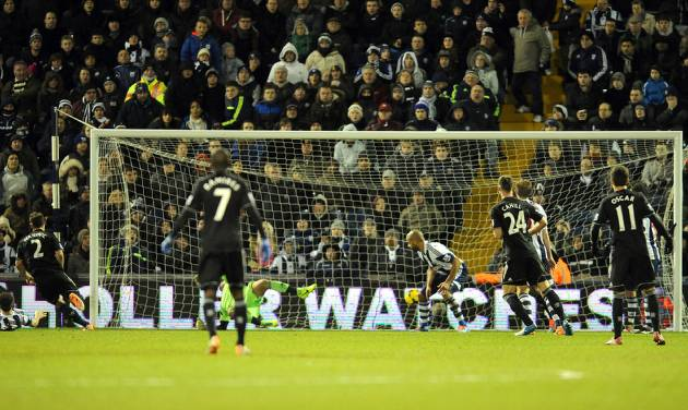 Chelsea's Branislav Ivanovic, far left, scores against West Brom during the English Premier League soccer match between West Bromwich Albion and Chelsea at The Hawthorns Stadium in West Bromwich, England, Tuesday, Feb. 11, 2014.  (AP Photo/Rui Vieira)