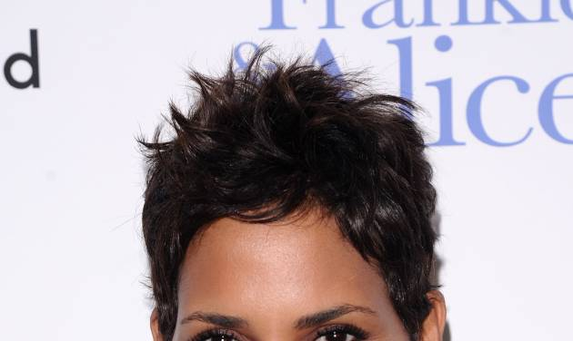 """FILE - In this Nov. 17, 2010 file photo, actress Halle Berry attends a special screening of """"Frankie & Alice"""" in New York. It's a boy for Halle Berry and Olivier Martinez.  A representative for the 47-year-old actress confirms that the couple welcomed their son on Saturday, Oct. 5, 2013  (AP Photo/Peter Kramer, file)"""