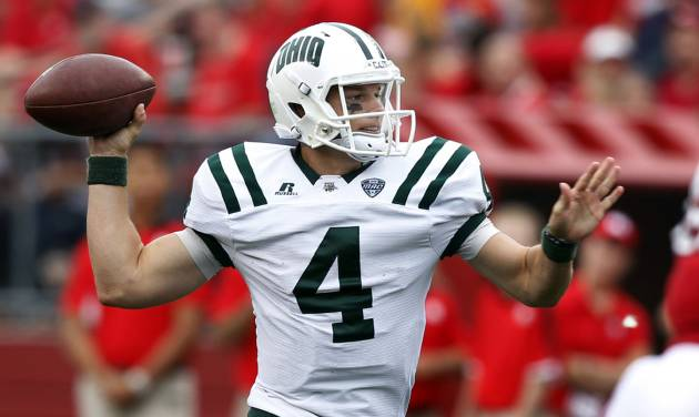 Ohio quarterback Tyler Tettleton (4) throws a pass during the second half of an NCAA college football game against Rutgers in Piscataway, N.J., Saturday, Sept. 24, 2011. Rutgers won 38-26. (AP Photo/Mel Evans) ORG XMIT: NJME114