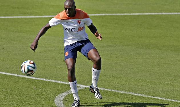 Bruno Martins Indi of the Netherlands kicks the ball during a training session in Rio de Janeiro, Brazil, Tuesday, June 24, 2014. Netherlands will play Group A runner-up Mexico in the second round on Sunday in Fortaleza. (AP Photo/Wong Maye-E)