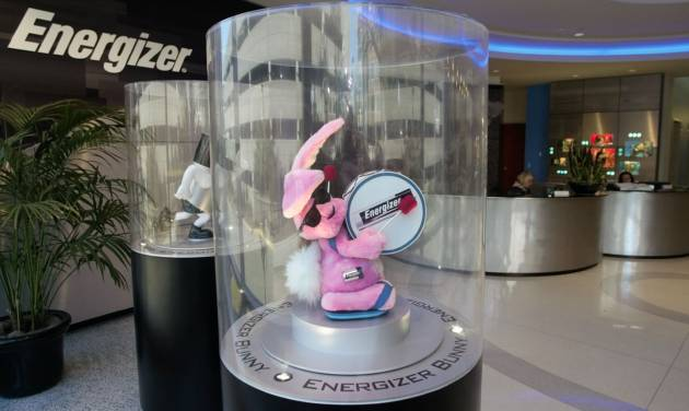 FILE - A revoving stuffed Energizer bunny greets visitors to Energizers world headquarters in this Jan. 21, 2003 file photo taken in St. Louis.  Energizer Holdings said Wednesday April 30, 2014 it plans to split into two separate, publicly traded companies, one that would sell batteries and other household items, and the other to sell personal care brands such as Edge shaving gel. (AP Photo/Tom Gannam, File)