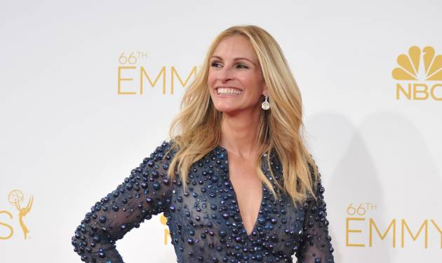 Julia Roberts arrives at the 66th Annual Primetime Emmy Awards at the Nokia Theatre L.A. Live on Monday, Aug. 25, 2014, in Los Angeles. (Photo by Richard Shotwell/Invision/AP)