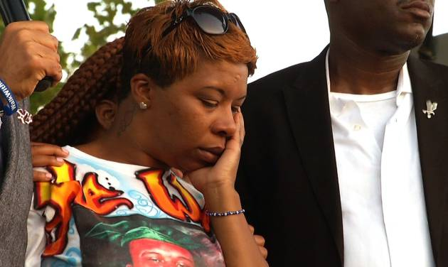 Lesley McSpadden, Michael Brown's mother, appears at Peace Fest, Sunday, Aug. 24, 2014, in St. Louis. Hundreds of people gathered in St. Louis' largest city park Sunday at a festival that promoted peace over violence. (AP Photo/Alex Sanz)