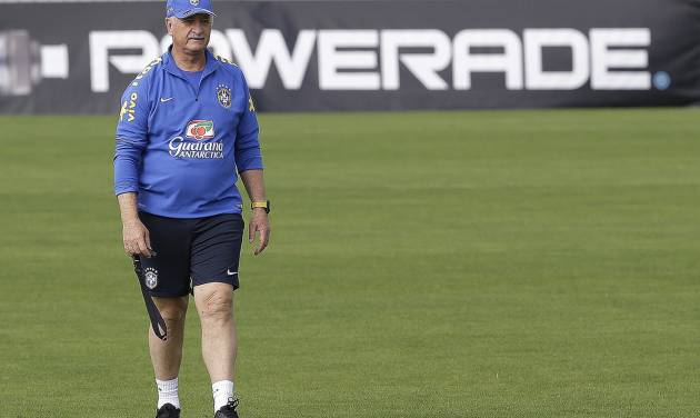 Brazil's coach Luiz Felipe Scolari attends a training session of the Brazilian national soccer team at the Granja Comary training center in Teresopolis, Brazil, Sunday, June 15, 2014. Brazil plays in group A of the 2014 soccer World Cup. (AP Photo/Andre Penner)