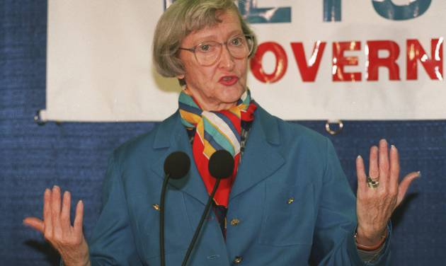 FILE - In the Aug. 9, 1993 file photo, Dawn Clark Netsch announces her run for Illinois governor in 1994, in  in Chicago. Netsch's former chief of staff and longtime friend Wendy Cohen said Tuesday, March 5, 2013, that Netsch had died early Tuesday. She was 86. She was the first woman to run on a major ticket for governor in Illinois. She was also a former Illinois comptroller and served 18 years in the state senate. (AP Photo/Charles Bennett, File)