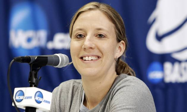 California head coach Lindsay Gottlieb responds to questions during an NCAA college basketball tournament news conference, Sunday, March 23, 2014, in Waco, Texas. California is scheduled to play Baylor on Monday. (AP Photo/Tony Gutierrez)