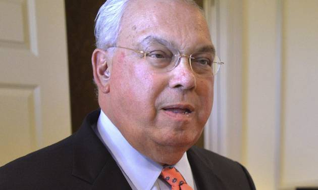 FILE - This Oct. 5, 2012 file photo shows Boston Mayor Tom Menino during a campaign event for Senate candidate Elizabeth Warren in Boston. Media outlets on Wednesday, March 27, 2013 reported that Menino will announce he won't seek re-election for a sixth term amid ongoing health problems. (AP Photo/Josh Reynolds, File)