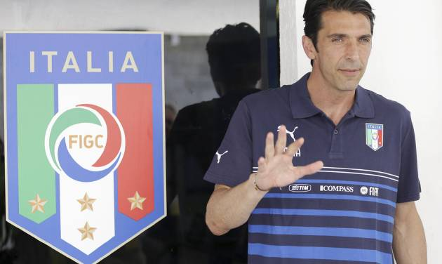 Italy goalkeeper Gianluigi Buffon arrives for a press conference at the Maria Lamas Farache Stadium in Natal, Brazil, Sunday, June 22, 2014. Italy play in group D of the 2014 soccer World Cup. (AP Photo/Antonio Calanni)