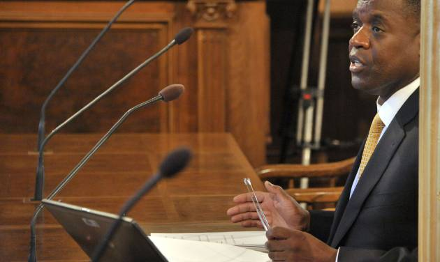 Detroit's emergency manager Kevyn Orr testifies before the House committee on Detroit's bankruptcy, at the State Capitol in Lansing, Mich., Tuesday, May 13, 2014. (AP Photo/The Detroit News, Dale G. Young) DETROIT FREE PRESS OUT; HUFFINGTON POST OUT.