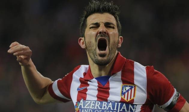 Atletico's David Villa complains to the referee during a Spanish La Liga soccer match between Atletico de Madrid and  Real Sociedad at the Vicente Calderon stadium in Madrid, Spain, Sunday, Feb. 2, 2014. (AP Photo / Andres Kudacki)