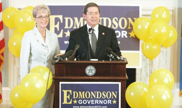 Drew Edmondson, with his wife, Linda, announces Wednesday at the state Capitol he is running for governor.  PHOTO BY STEVE GOOCH, THE OKLAHOMAN