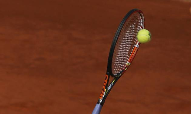 Andy Murray from Britain serves during a Madrid Open tennis tournament match against Santiago Giraldo from Colombia in Madrid, Spain, Thursday, May 8, 2014. (AP Photo/Andres Kudacki)
