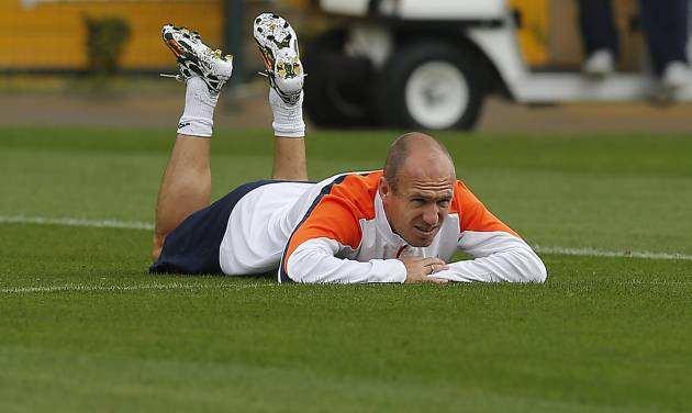 Netherlands' Arjen Robben pauses during a training session of The Netherlands in Sao Paulo, Brazil, Thursday, July 10, 2014. The Netherlands will face Brazil for the match for third place at the 2014 soccer World Cup. (AP Photo/Frank Augstein)
