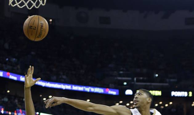 Philadelphia 76ers small forward Hollis Thompson (31) goes to the basket against New Orleans Pelicans power forward Anthony Davis (23) in the first half of an NBA basketball game in New Orleans, Saturday, Nov. 16, 2013. (AP Photo/Gerald Herbert)