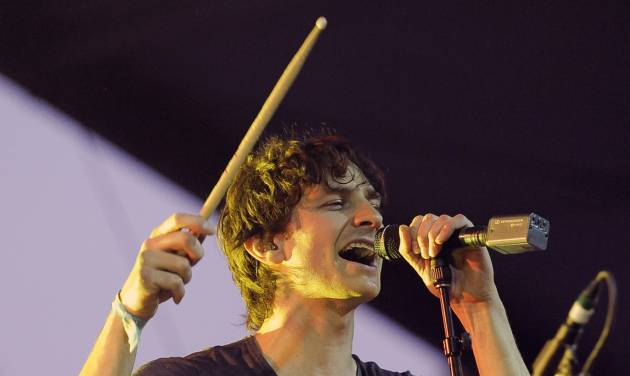 """FILE - In this April 15, 2012 file photo, Australian artist Gotye performs during the first weekend of the 2012 Coachella Valley Music and Arts Festival in Indio, Calif. Gotye's smash hit """"Somebody I Used to Know"""" is Spotify's top song of the year. (AP Photo/Chris Pizzello, file)"""