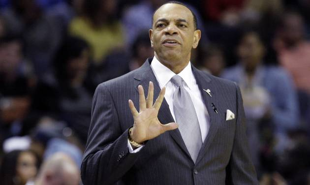Memphis Grizzlies head coach Lionel Hollins signals during the first half of an NBA basketball game against the Los Angeles Lakers in Memphis, Tenn., Wednesday, Jan. 23, 2013. The Grizzlies won 106-93. (AP Photo/Daniel Johnston)