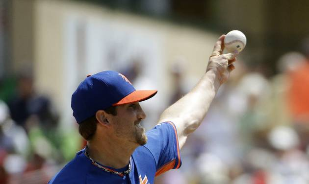 New York Mets starting pitcher Jonathon Niese throws in the first inning of an exhibition spring training baseball game against the St. Louis Cardinals, Sunday, March 16, 2014, in Jupiter, Fla. (AP Photo/David Goldman)