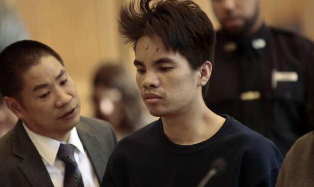 Mingdong Chen is arraigned in Brooklyn criminal court, Monday, Oct. 28, 2013, in New York. Chen did not enter a plea at his court appearance Monday. He has been accused of butchering his cousin's wife and her four children in Brooklyn. (AP Photo/The New York Times, Anthony Lanzilote, Pool)