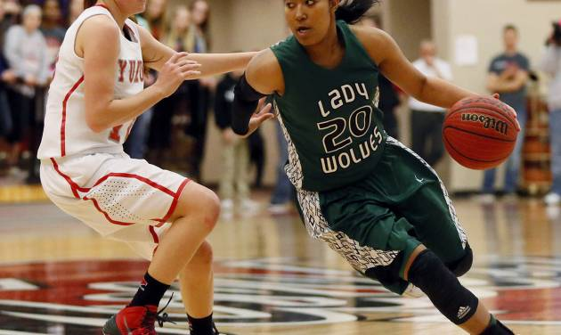 Denver signee Tamara Lee, right, scored 20 points and came away with four steals to lead No. 2 Edmond Santa Fe past No. 7 Yukon, 56-45. Photo by Nate Billings, The Oklahoman