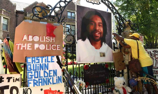 Castile shooting investigation goes to Minnesota prosecutors
