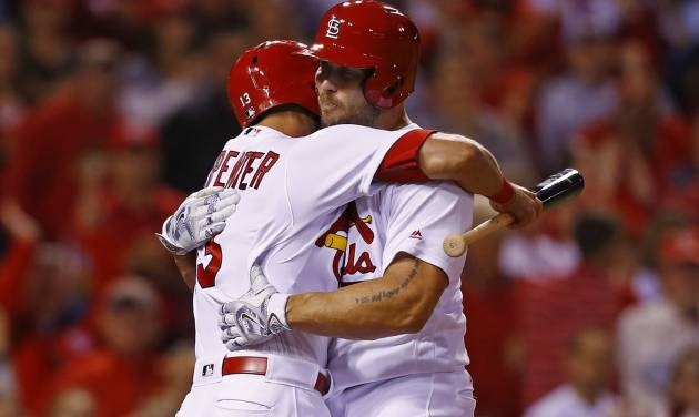 Cardinals hang in wild card race with seven scoreless from Carlos Martinez