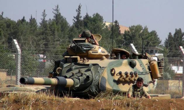 Syrian troops advance near Aleppo in attempt to impose siege