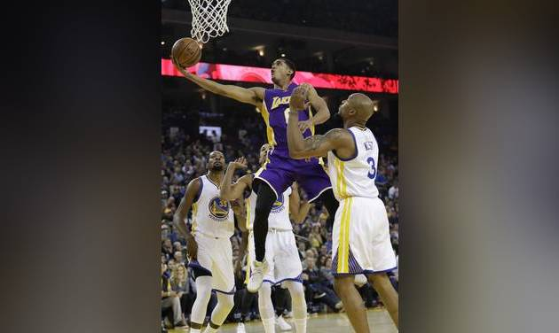 Nick Young Hits Game Winner As Lakers Top Thunder