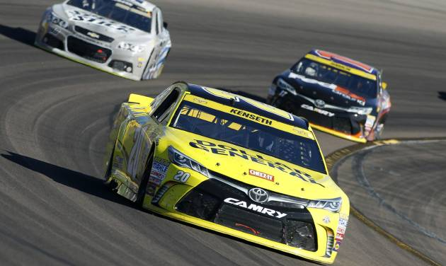 Phoenix victor Joey Logano, Kyle Busch secure final Chase spots — George Diaz